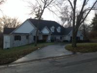 8 Sherwyn Lane, Creve Coeur, MO